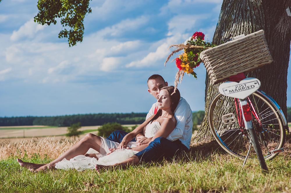 sesja rowerowa zdjęcia ślubne